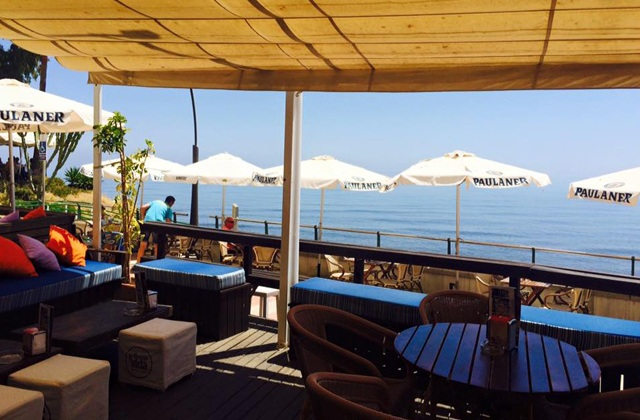 Discover ten places to refresh with the best mojitos in Aldalusia: La Buena Vida, Estepona