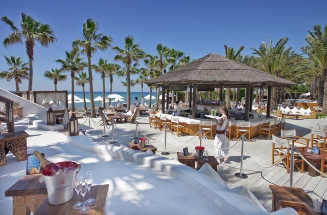 Discover ten places to refresh with the best mojitos in Aldalusia: Nikki Beach, Marbella