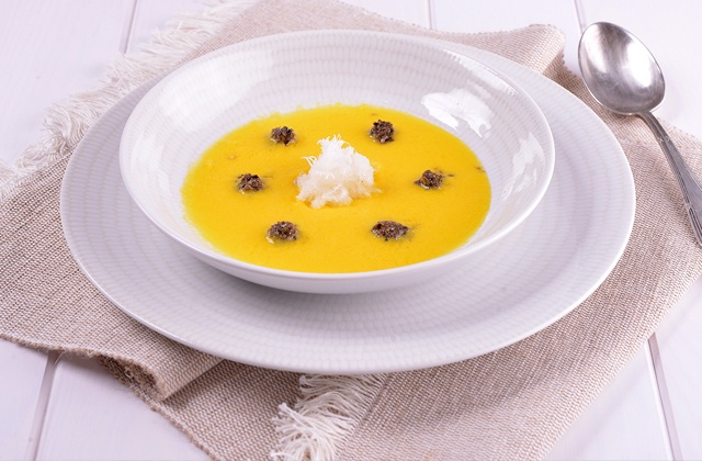 Gazpacho and salmorejo, the most famous summer soups in Andalusia: Salmorejo de naranja