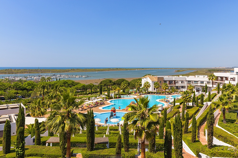 El Rompido: 11 activities to enjoy family holidays: Hotel Fuerte El Rompido