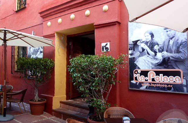 A different meal? Discover 10 of the best themed restaurants in Costa del Sol: La Polaca, Marbella. Fotografía: baresdeandalucía.com