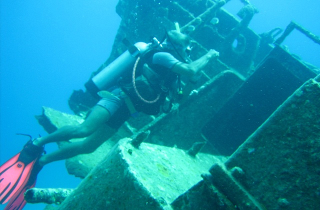 Things to do in Nerja - diving en Torrox