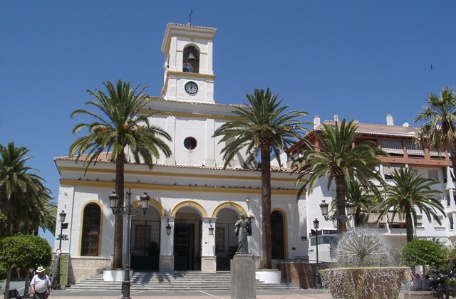 Discover every corner of San Pedro de Alcantara, the other unknown jewel next to Marbella: Plaza de la Iglesia