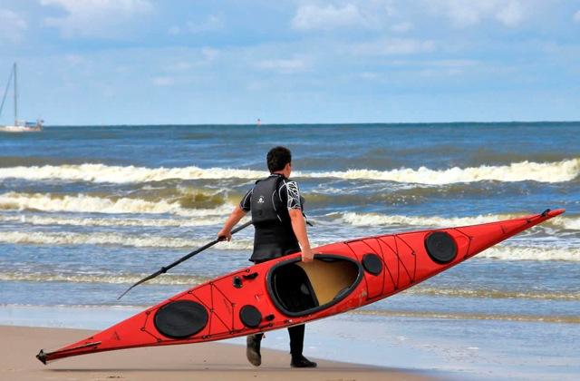 Que voir et que faire à Nerja - parcours en kayak. Fotografía de Nauticexpo