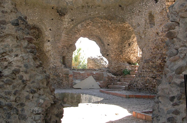 Entdecken Sie alle Ecken von San Pedro de Alcántara, der anderen unbekannten Perle neben Marbella: Termas