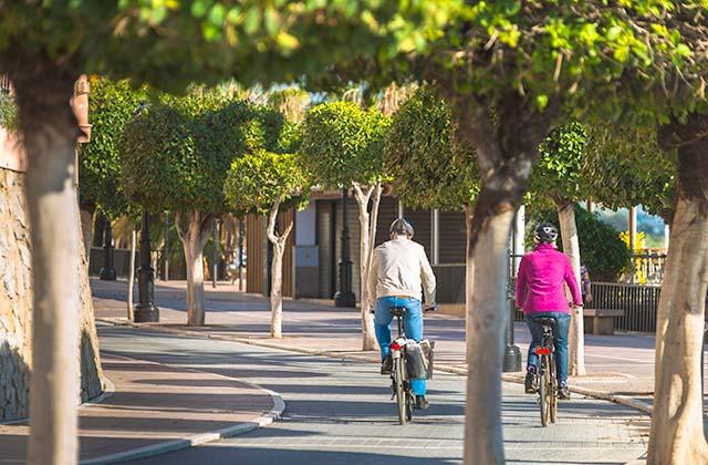 Paseo marítimo en bicicleta
