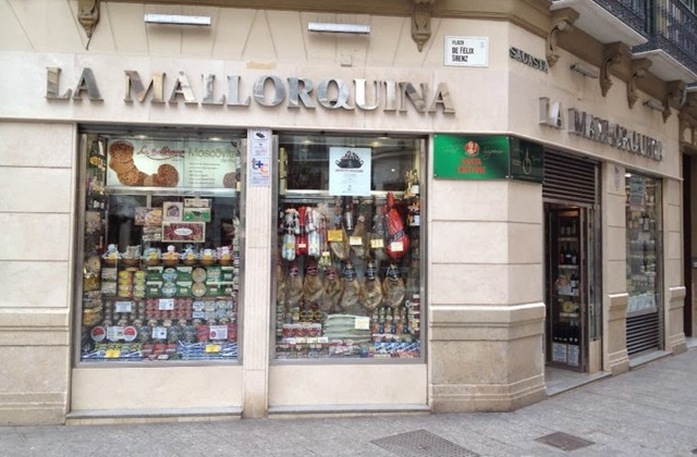 Discover the route of the most authentic corner shops in Málaga: Andalusian traditional products: Ultramarinos La Mallorquina