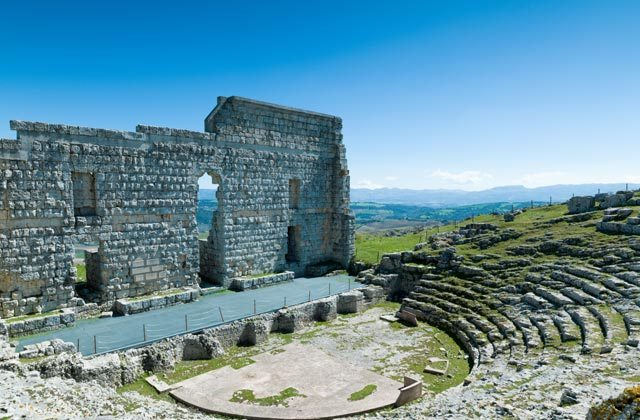 que ver y hacer en la Sierra de Grazalema - Ruinas Romanas de Acinipo