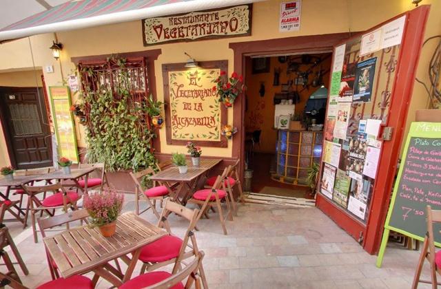 Eat healthy and enjoy ten of the best vegetarian restaurants in the Costa del Sol: El Vegetariano de La Alcazabilla
