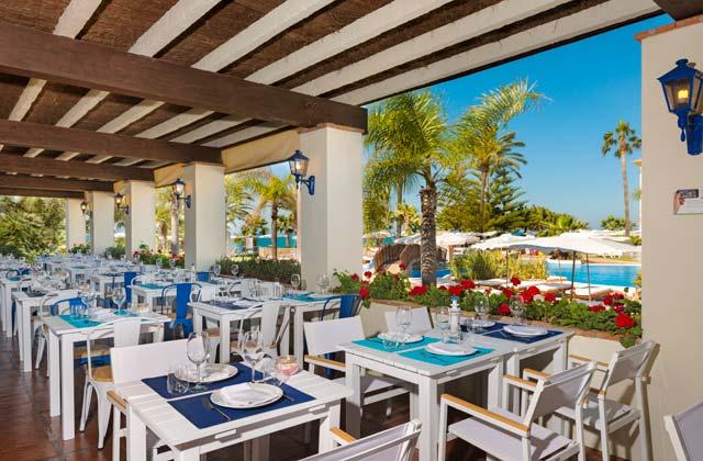 Hotel Fuerte Conil terrace restaurant