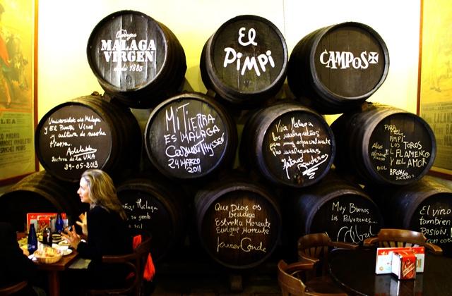 10 Tapas-Bars in Malaga, die Sie besuchen müssen: Bodegas El pimpi