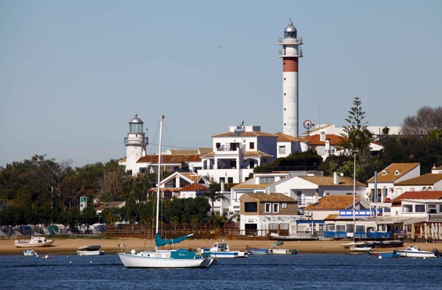 20 things to see and do to have a dream holiday in El Rompido: Faros de El Rompido