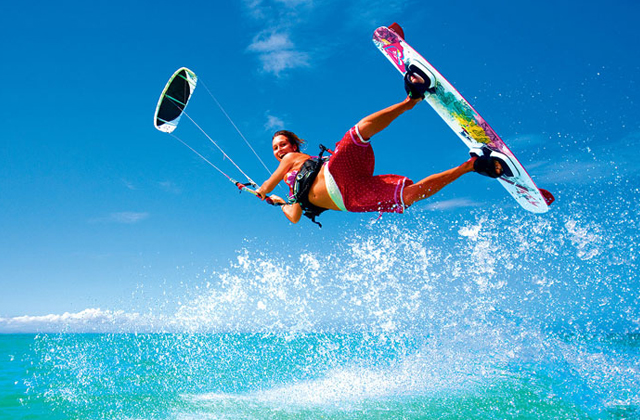 20 things to see and do to have a dream holiday in El Rompido: KITESURF