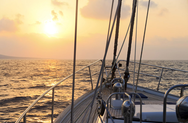 things to see and do to have a dream holiday in El Rompido: Sailboat ride