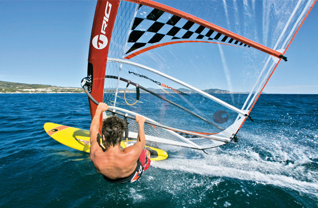 20 things to see and do to have a dream holiday in El Rompido: Windsurf