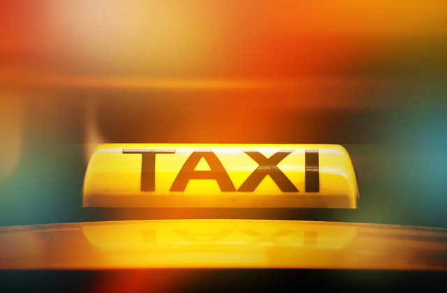 Estepona: 6 ways to get to one of the jewels of Costa del Sol: Taxi Malaga