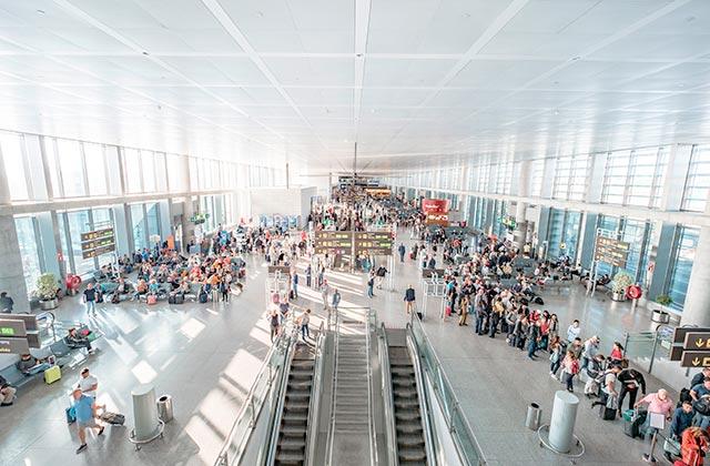 Aeropuerto de Málaga - Crédito editorial: elRoce / Shutterstock.com