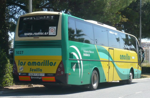 5 ways to get to Grazalema, a natural destination between Cádiz and Málaga: Autobuses los Amarillos
