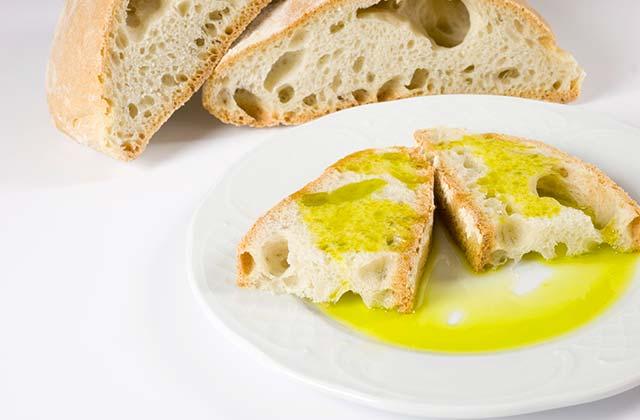 Los desayunos en Andalucía: Pan y aceite