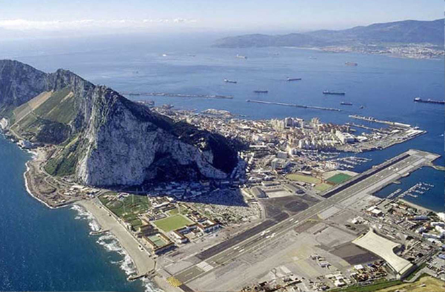 Conil: 6 ways to get to a dream location on the Costa de la Luz: Aeropuerto de Gibraltar