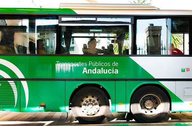 Viajar en Autobus en Andalucia - Crédito editorial: No-Mad / Shutterstock.com
