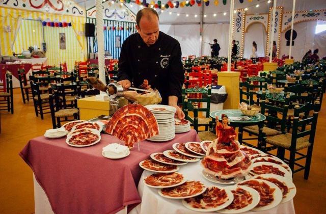 Cortador de jamón en la Feria