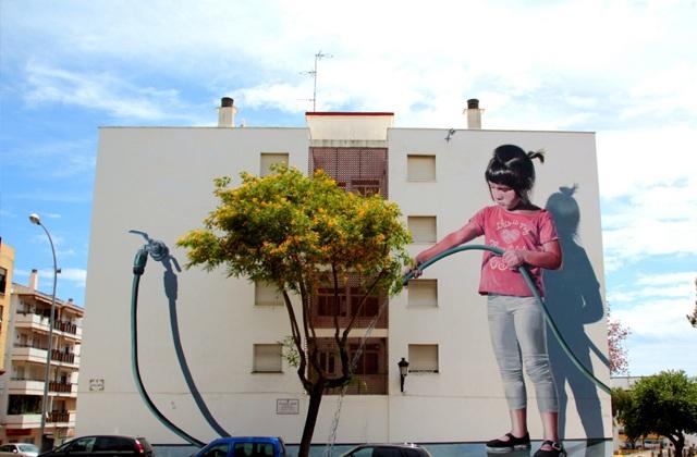 Ruta de los Murales - Regando el jardín