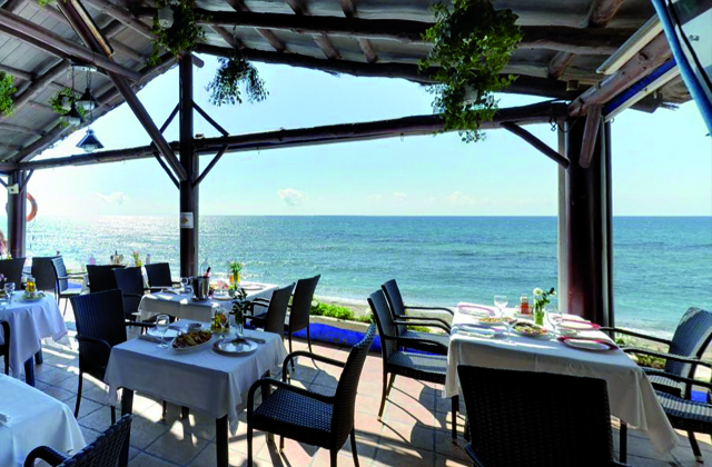 beach bars and restaurants Marbella - Victor's Beach Club