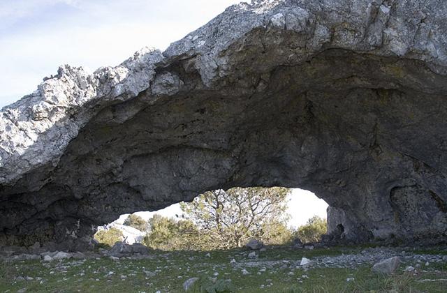 Sierra de Grazalema wanderwege - LA CUEVA DE LAS DOS PUERTAS