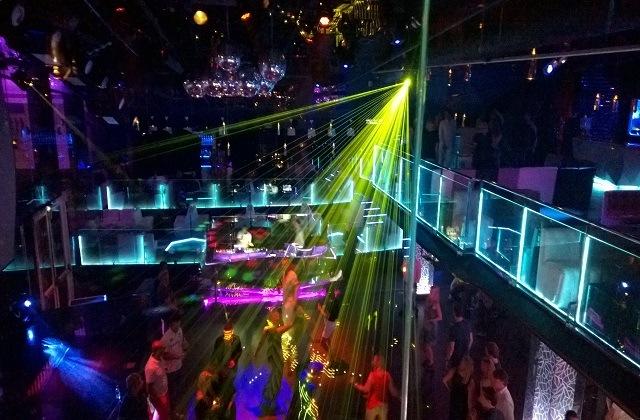 Vida nocturna en Nerja - Sala Rockefeller