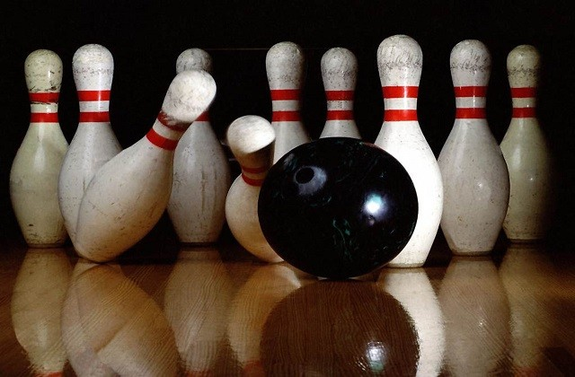 idées pour dîner d'entreprise - bowling
