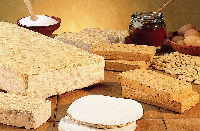 platos navideños andaluces - Turrón
