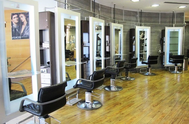 Beauty salons in Marbella - Reflections Hair and Beauty Salon Nails and Skin Care Salon Puerto Banus