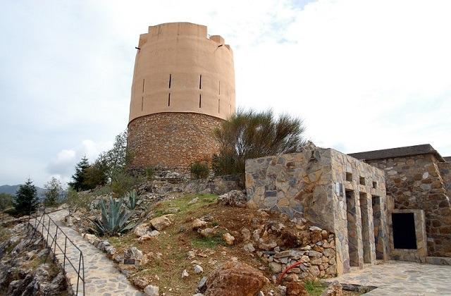Sierra de las Nieves - Torre Vigía El Castillo