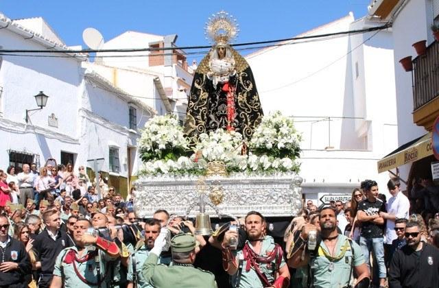 Easter Week processions in Andalucia - Jesús Nazareno y Dolores Coronada en Álora