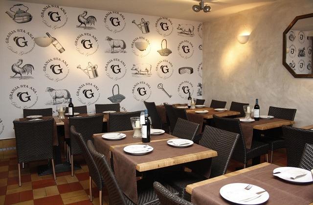 Restaurante de Tapas Granja Santa Ana