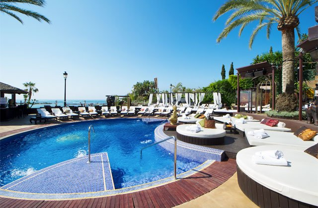 Marbella beach clubs - la sala by the sea_beach club