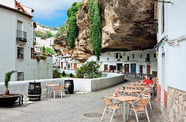 Descubre Andalucía - Setenil de Bodegas