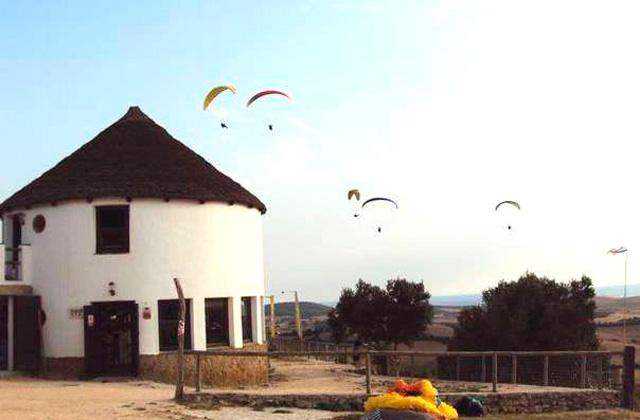 Things to See and Do in Andalucia - hand gliding or riding a hot-air balloon