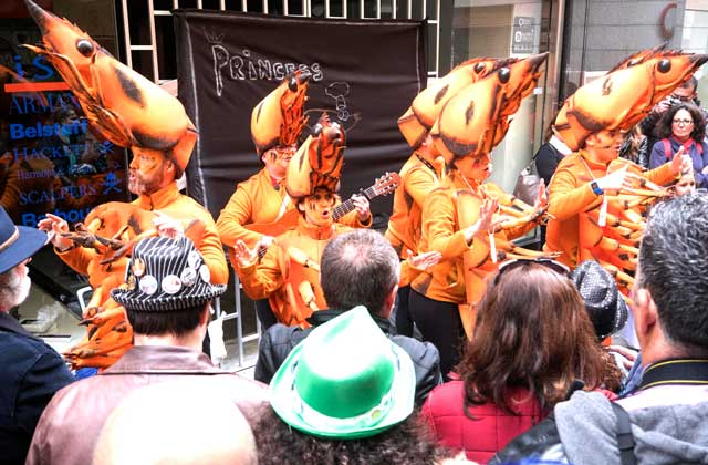 Cosas que ver y hacer en Andalucía - carnaval cadiz-