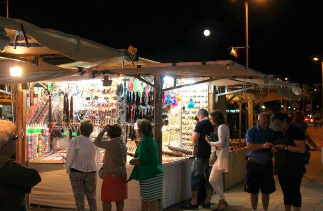 Conil markets and street markets - mercado artesano maritimo