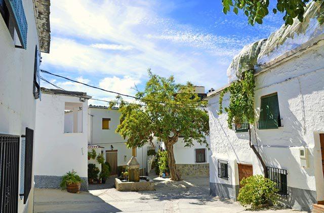 Choses à voir et à faire en Andalousie - Square Notaez, La alpujarra