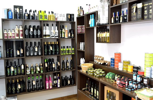 Shopping in Malaga - Extravirgen Olive Oil Store