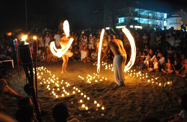 Traditional festivals of Andalusia - luna llena manilva