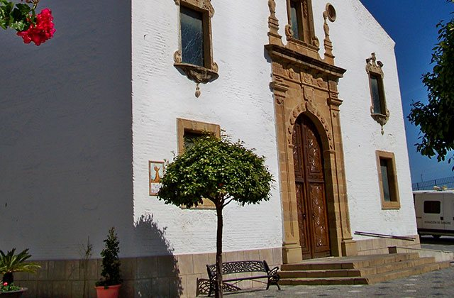 places of interest and Estepona monuments - Church of Los Remedios