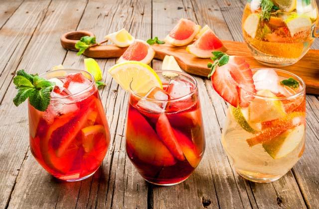 Bebidas De Halloween - Martini Assustador Imagem de Stock