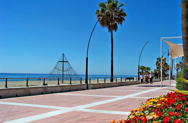 places of interest and Estepona monuments - Promenade
