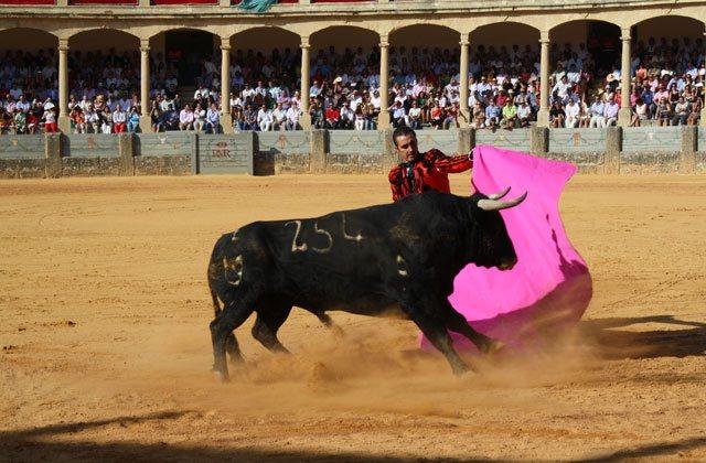 Ronda Fair - Corrida Goyesca de Ronda 2012. Imágenes del Archivo fotográfico de la Real Maestranza de Caballería de Ronda.