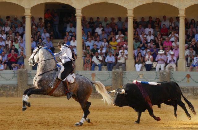Ronda Fair - Corrida de Rejones Feria de Ronda 2016. Rejoneador: Diego Ventura. Foto de Lies Wajer, del Archivo fotográfico de la Real Maestranza de Caballería de Ronda