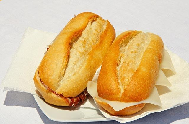 Bollos de jamón y queso